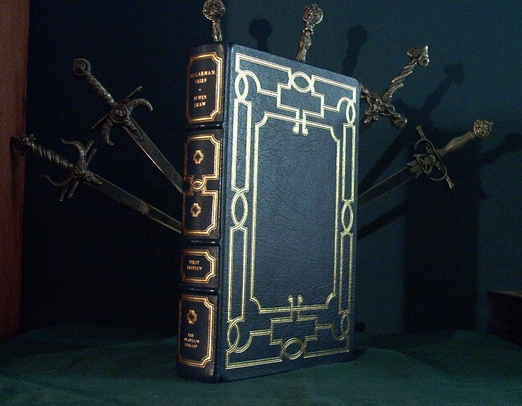 Leather bound book The Beggarman Thief
